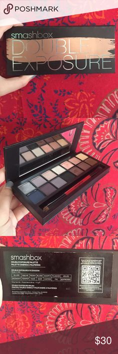 Smashbox Double Exposure Eyeshadow Palette Think of it as the palette of possibilities. With shadows that transform when activated with water, Smashbox's latest innovation is all about mixing it up. Each shadow changes in one of four ways when wet - amps up vibrancy, gets deeper, turns metallic or adds sparkle - so the possibilities really are endless!! Whether you're feeling demure or dramatic or something else entirely, transform yourself with this must-have for self-expression!! Feel free…