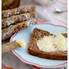 This almond flour bread may be the best low carb bread recipe yet! This is so good to eat with some butter on Easy gluten free/flour free bread recipe If you are on a gluten-free diet then I'm sure you … Healthy Gluten Free Bread, Best Low Carb Bread, Lowest Carb Bread Recipe, Foods With Gluten, Gluten Free Baking, Gluten Free Recipes, Low Carb Recipes, Almond Bread, Almond Flour Recipes