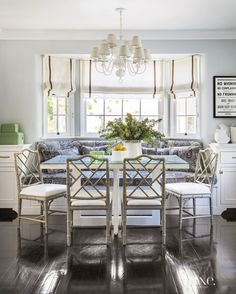 dining area, nook