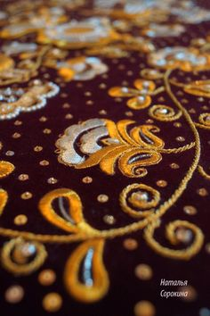 """Фрагмент вышитого  панно в русском стиле """"Райский сад"""", 2014-2015.  Фото без музейного стекла. Золотное шитьё. Gold embroidery."""