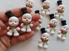 In this DIY tutorial, we will show you how to make Christmas decorations for your home. The video consists of 23 Christmas craft ideas. Clay Christmas Decorations, Polymer Clay Christmas, Cute Polymer Clay, Cute Clay, Polymer Clay Charms, Christmas Art, Christmas Ornaments, Clay Art Projects, Polymer Clay Projects