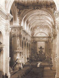 TALCA: Interior Iglesia Matriz, 1890 Historical Images, South America, Barcelona Cathedral, Taj Mahal, Architecture, Building, Travel, Vintage, Beautiful