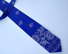 emmilly / Kravata Folk, Tie, Accessories, Fashion, Moda, Popular, Fashion Styles, Cravat Tie, Forks