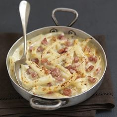 Celeriac Gratin with Ham and Cream of Roquefort. Best Soup Recipes, Healthy Soup Recipes, Healthy Cooking, Cheese Recipes, Celerie Rave, Organic Recipes, Ethnic Recipes, Batch Cooking, Potato Dishes