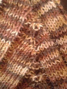 karöltő kialakítása, körbe kötött pulóver
