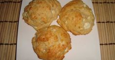 Εξαιρετική συνταγή για Τυροπιτάκια της στιγμής. Το λέει ο τίτλος. Γρήγορα τυροπιτάκια χωρίς φύλλο ή ζύμη. Recipe by akilina