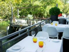 Le Vivier - Michelin and Gault Millau rated restaurant in nearby L'Isle Sur La Sorgue Provence, French Restaurants, Restaurant Offers, Wine List, Outdoor Furniture Sets, Outdoor Decor, South Of France, Large Windows, Luxury Villa
