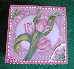 Caixa em mdf decorada, vai com sabonete Natura tambem decupado com o motivo da caixa. R$28,00