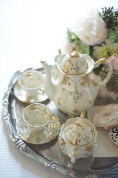 Un matrimonio barocco a Torino Vintage Tea, Vintage Style, English Style, Just Married, Tea Party, Vintage Inspired, Tea Cups, Vintage Fashion, Wedding Ideas