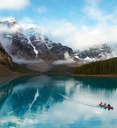 Moraine Lake is situated nearly 2000 metres high in the Canadian Rockies - in the beautiful Banff National Park in Alberta, Canada // photo by Mark Read #canada #alberta #lake