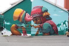 """""""A Kiss Between Cultures"""": Ein Wandgemälde bringt Menschen zusammen   Es ist schon eine Weile her, dass Graciela Gonçalves Da Silva alias Animalitolandeiner Hauswand im hohen Norden """"A Kiss Between Cultures"""" a...  #hauswand #Kulturen #mural"""