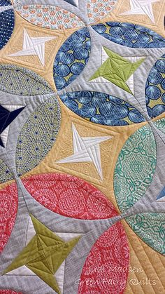 Eclipse Quilt by Sharon McConnell of ColorGirl Quilts. Quilted by Judi Madsen of Green Fairy Quilts Circle Quilts, Star Quilts, Quilt Blocks, Longarm Quilting, Free Motion Quilting, Quilting Tutorials, Quilting Projects, Quilting Ideas, Quilt Modernen