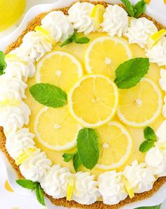 Lemon Mascarpone Cream Pie - light, creamy, easy to make and great for summer! This Lemon Mascarpone Cream Pie is full of lovely lemon flavor! It's light and perfect for summer, and I love the addition of the smooth and creamy mascarpone cheese! Easy Pie Recipes, Cream Pie Recipes, Lemon Recipes, Dinner Recipes, Lemon Whipped Cream, Lemon Cream Pies, Lemon Desserts, Just Desserts, Delicious Desserts