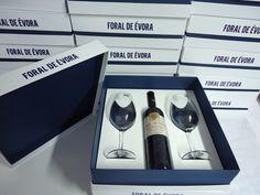 CriativeBox - Embalagem especial para vinho e duas taças / FORAL DE ÉVORA…