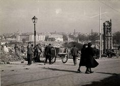 1940. Recogida de Escombros en la Glorieta de Marqués de Vadillo