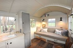 Gypsy caravan, tiny house living, house on wheels, little houses, tiny hous Glamping, Summer House Interiors, Outdoor Garden Rooms, Gypsy Caravan, Gypsy Wagon, Shepherds Hut, Tiny Spaces, Tiny House Living, House On Wheels