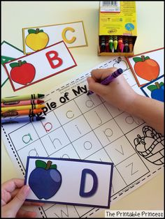 Awesome apple centers! Find the matching lowercase letter. Trace the letter using the color that matches the card.