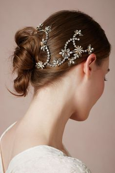 Pretty wedding headpiece