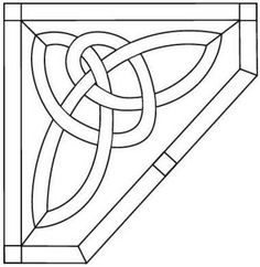Free celtic,patterns this is perfect for the corner pieces of the panels Celtic Stained Glass, Stained Glass Designs, Stained Glass Patterns, Mosaic Patterns, Quilt Patterns, Celtic Symbols, Celtic Art, Celtic Knots, Celtic Patterns
