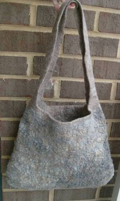 wet felted one-piece bag (lots of pictures) - FIBER ARTS