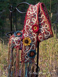 Free crochet pattern: Art 'n Soul Scrappy Scarf by Kirsten Holloway Designs Freeform Crochet, Thread Crochet, Crochet Scarves, Crochet Shawl, Crochet Clothes, Free Crochet, Knit Crochet, Knit Cowl, Crochet Blankets