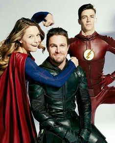 Supergirl - Arrow - The Flash Superhero Shows, Superhero Memes, Supergirl Dc, Supergirl And Flash, Series Dc, Flash Barry Allen, The Flash Grant Gustin, Cw Dc, Univers Dc