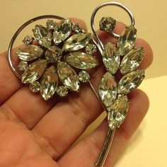Vintage Stunning Large FLOWER & LEAF BROOCH Pin Prong Rhinestone Silver Tone