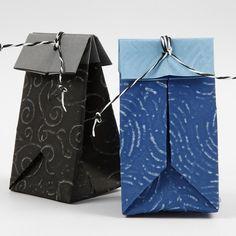 gefaltete Tasche aus geprägtem Papier / origami packaging