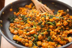 PALEO SWEET POTATO KALE HASH - Paleo Recipes--I made this without the eggs and added chipotle powder--yum! Clean Eating Recipes, Healthy Eating, Cooking Recipes, Whole Food Recipes, Vegetarian Recipes, Healthy Recipes, Primal Recipes, Diet Recipes, Gourmet