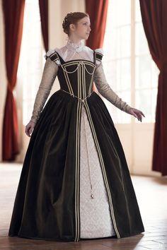 French Renaissance Dress by Esaikha