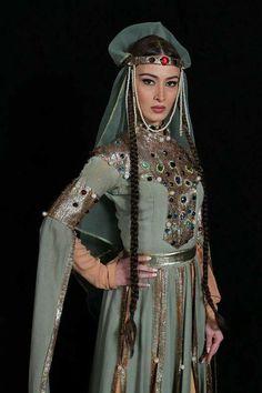 """✔ ანსამბლ ,,სუხიშვილები""""-ს მოცეკვავე: თამუნა დვალი  ● Georgian National Ballet Sukhishvili"""