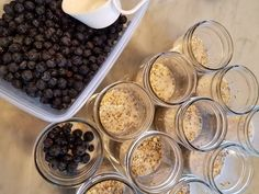 {No-Cook} Blueberry Pie Overnight Oatmeal (Meal-Prep Tutorial) - Clean Food Crush Blueberry Overnight Oats, Overnight Oatmeal, Real Food Recipes, Cooking Recipes, Delicious Recipes, Easy Recipes, Healthy Recipes, Clean Eating Grocery List, Clean Eating Breakfast