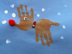 This handprint reindeer craft is a fun Christmas activity for kids and it's a really easy craft to make. This handprint reindeer craft is a fun Christmas activity for kids and it's a really easy craft to make. To make the reindeer head out of a hand print Christmas Art, Christmas Projects, Christmas Themes, Holiday Crafts, Christmas Gifts, Baby Christmas Cards, Toddler Christmas, Childrens Homemade Christmas Cards, Hand Print Christmas Cards