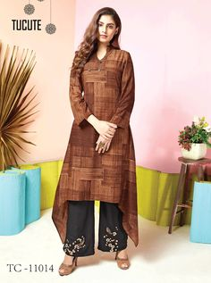 Wholesale Muslin Printed Stylish Event Wear Kurti With Bottom Collection.Renovate your boutique collection by adding this kurtis from the popular wholsale brand. Ladies Suits Indian, Suits For Women, Clothes For Women, Salwar Suits Party Wear, Party Wear Kurtis, Salwar Suits Pakistani, Salwar Kameez, Designer Kurtis Online, Indian Clothes Online