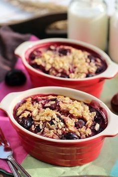 Delicious baked oatmeal with cherries I Love Food, Good Food, Yummy Food, Tasty, Benefits Of Organic Food, Healthy Food Options, Healthy Cake, Organic Recipes, Food Inspiration