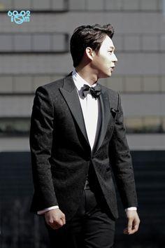 Dashingly Yoochun Love at 35th Blue Dragon Awards 2014 ❤️ JYJ Hearts
