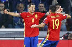 Vitolo celebra con Diego Costa su gol.