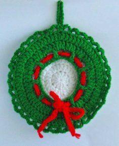 Christmas Wreath Potholder [FP198] - $0.00 : Maggie Weldon, Free Crochet Patterns