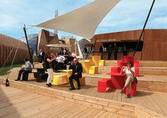 Extremis represents Belgium at the World Expo: Sun, Beers and Belgian Fries make Togetherness. Watch the slideshow!