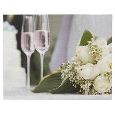 Wedding bouquet and champagne glasses puzzle
