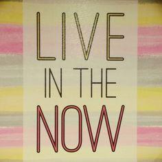 Live! Twinkling Tuesday!  #tuesday #twinklingtuesday #live #now #livenow #seizetheday #carpediem #yellow #pink #lifeincolor #motivation #transformation #adventuresofjac