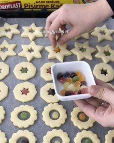 Iced Cookies, Biscuit Cookies, Cupcake Cookies, Mini Cupcakes, Butter Biscuits Recipe, Biscuit Recipe, Easy Christmas Cookie Recipes, Christmas Baking, Cake Recipes