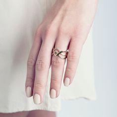 Bague SYDNEY (69€ TTC) en plaqué or 18 carats jaune dans sa version « Chic ». Votre bijou PHEBUS&Co est garanti 2 ans et vous est livré dans un pochon à l'intérieur de l'écrin magnet. Réf : 66100006 #mode #fashion #phebusandco #necklace #collier #colliers #bracelet #bracelets #ring #rings #jewelry #jewelrydesign #lifestyle #bijou #bijoux
