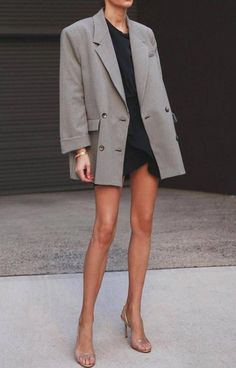 Business Chic Style Inspiration, Learn how to style chic outfits from Pernille Teisbaek and look even in the office! Mode Outfits, Chic Outfits, Fashion Outfits, Fashion Trends, Womens Fashion, Fashion Boots, Fashion Tips, Oversize Look, Oversized Blazer