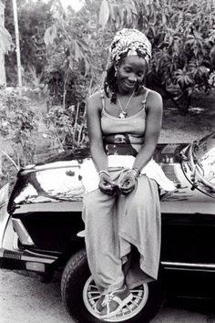 Beautiful Rita, Bob's wife