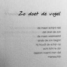 314 vind-ik-leuks, 6 reacties - Hartelijk hallo. (@derek.otte) op Instagram: 'Zo doet de vogel #derekotte #regelgeving #uitgeverij #rorschach #debuut #linkinbio'