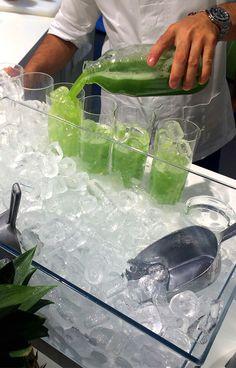 All green #hyperFresh cocktails at Schumanns! // Grün, Grün, Grün ist unser #hyperFresh Cocktail an der Schumanns Bar! #Siemens #IFA2015 #IFA #enjoysiemens