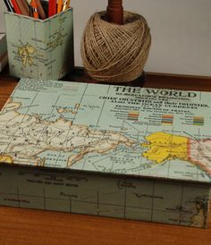 Map Box - cover a cigar box with a map *(bad link) Cigar Box Diy, Cigar Box Crafts, Cigar Box Purse, Altered Cigar Boxes, Diy Box, Cigar Box Projects, Craft Projects, World Travel Decor, Mixed Media Boxes