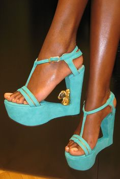 The Top 10 Craziest Runway Shoes- SW1. Taking wedge-less to a new level!