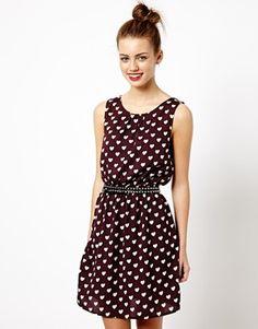 Imagen 1 de Vestido con estampado de corazones y cintura marcada de New Look